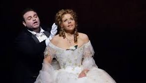 La Traviata still#1